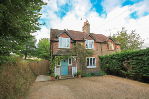 Vowels Lane, East Grinstead. 3 bedroom semi-detached house
