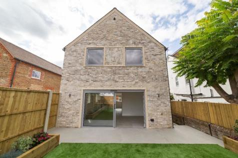 Down Road, Guildford. 3 bedroom detached house for sale
