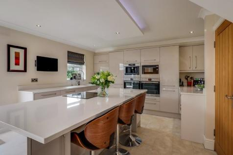 Headingley Mews, Wakefield. 6 bedroom detached house for sale