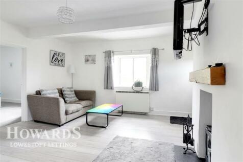 Glebe Close, Gunton. 1 bedroom flat