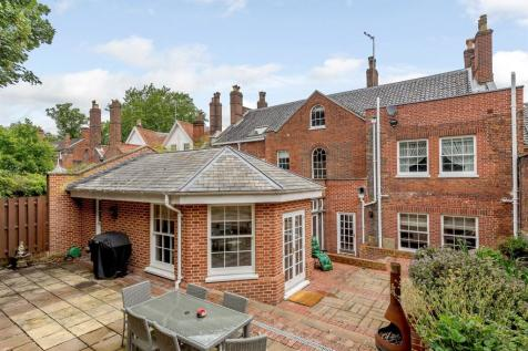 Bracondale, Norwich. 4 bedroom terraced house