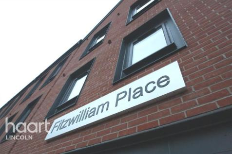 Fitzwilliam Place, High Street. 1 bedroom flat