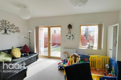 Bridgwater Road - Harold Hill - RM3. 2 bedroom terraced house