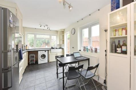 Kimbell Gardens, Parsons Green, SW6. 1 bedroom house share
