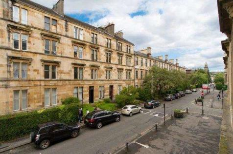 Bank Street, Hillhead, Glasgow, G12. 2 bedroom flat