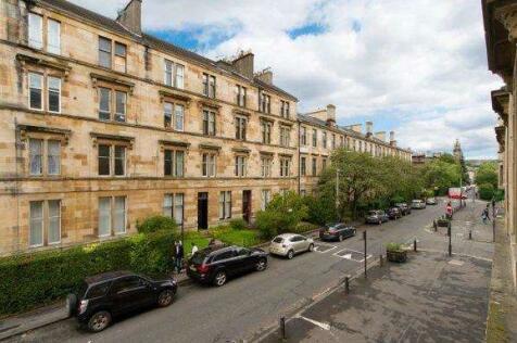 Bank Street, Hillhead, Glasgow, G12. 3 bedroom flat
