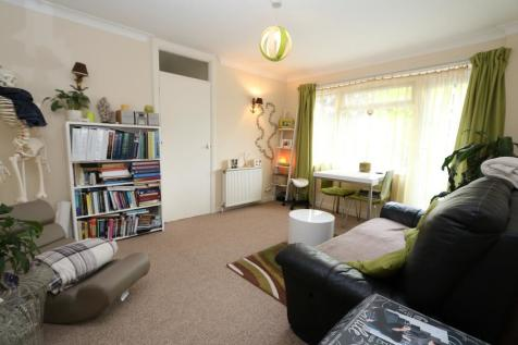 Lovelace Road. 1 bedroom apartment