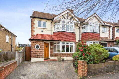 Devon Close, Buckhurst Hill property