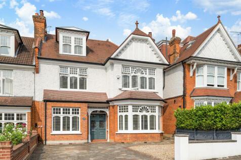 Monkhams Drive, Woodford Green. 5 bedroom semi-detached house