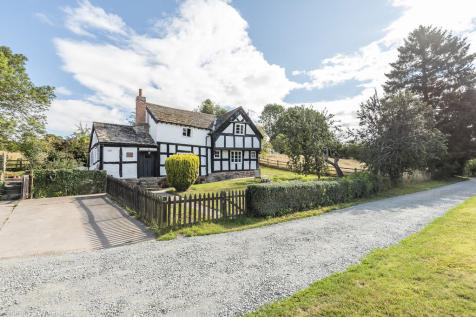 3/4 Bedroom Detached House, 3 Bedroom Detached Barn, Outbuildings and Land in Riverside Setting. 7 bedroom farm house for sale