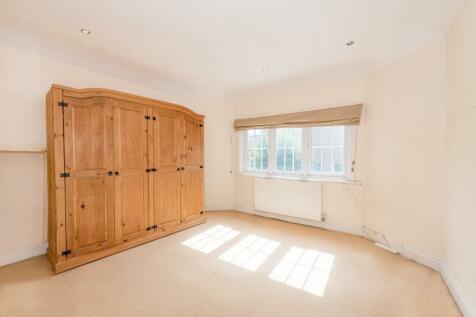 Crouch Hall Road, N8 8HA. 2 bedroom flat