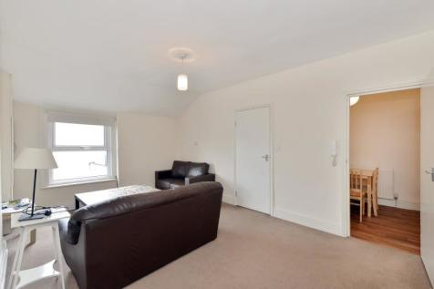 Park Road, N8 8SY. 2 bedroom apartment
