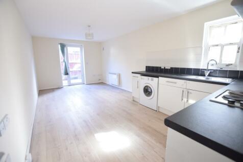 252 Holdenhurst Road, Bournemouth,. 2 bedroom flat