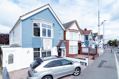Viewpoint, 11 Constitution Hill Road, Poole. 1 bedroom house share