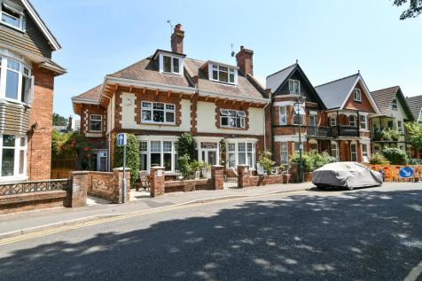 22 Churchill Road, Bournemouth,. 1 bedroom house share