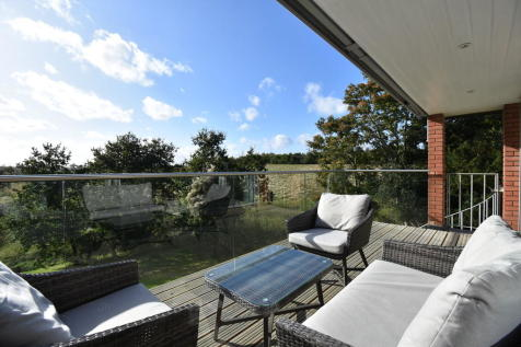 Dukes Park, Woodbridge. 5 bedroom detached house for sale