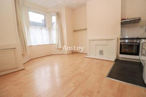 Ground Floor Flat - One Bedroom - Available Now. 1 bedroom flat