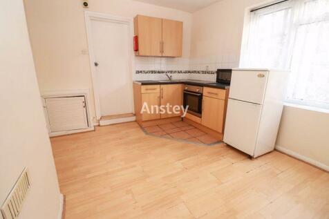 Ground Floor Flat - One Bedroom - Available Now. 1 bedroom flat
