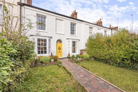 Staplegrove Road. 4 bedroom terraced house for sale
