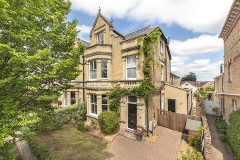 Elm Grove. 5 bedroom semi-detached house