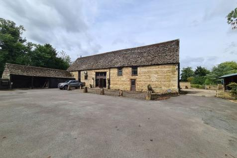 Eyebury Barn, Eyebury Road, Eye, PE6. 4 bedroom barn conversion