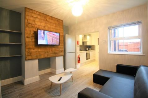 Kitchen Street, Student Accommodation, Available September 2020!. 1 bedroom house share