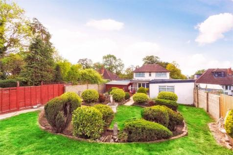 Richings Way, Richings Park, Buckinghamshire. 5 bedroom detached house