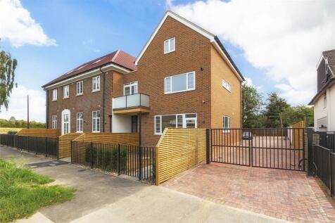 Grand Approach, 2 Bathurst Walk, Richings Park, Buckinghamshire. 2 bedroom apartment