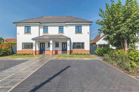 Syke Cluan, Richings Park, Buckinghamshire. 3 bedroom semi-detached house for sale
