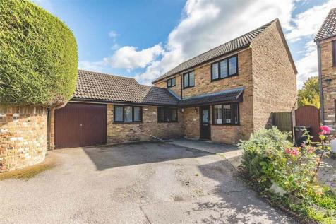 High Street, Iver, Buckinghamshire. 5 bedroom detached house for sale
