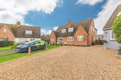 Chequers Orchard, Iver, Buckinghamshire. 4 bedroom semi-detached house for sale