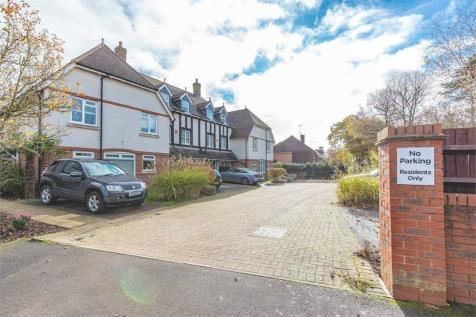 Bond Close, Iver Heath, Buckinghamshire. 5 bedroom town house for sale