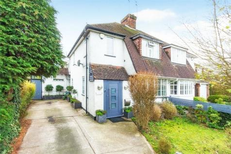 The Parkway, Iver Heath, Buckinghamshire. 3 bedroom semi-detached house for sale