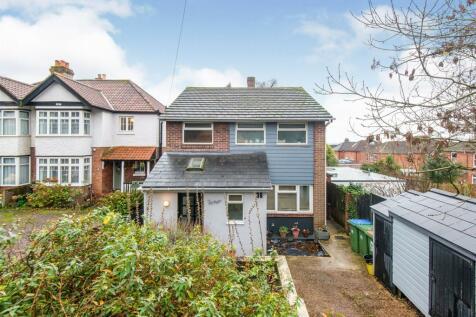 Cobden Avenue, Southampton. 3 bedroom detached house for sale