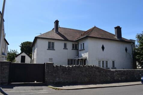 Victoria Avenue, Porthcawl, CF36. 7 bedroom detached house