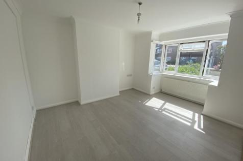 Angola Road, Worthing, BN14. 5 bedroom house share