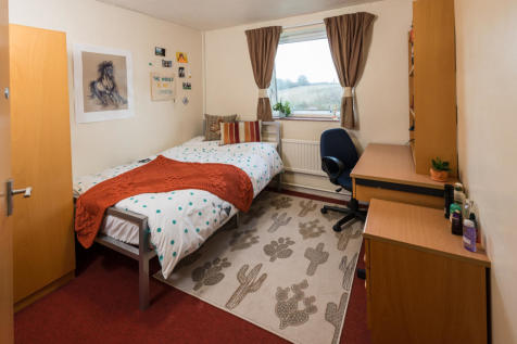 Avon Way House Classic 5 Bed Apartment Share. 5 bedroom flat share