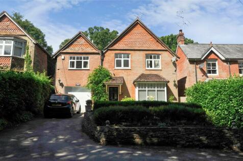 Haslemere, Surrey, GU27. 5 bedroom detached house