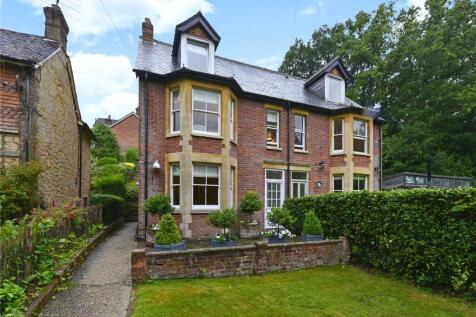 Haslemere, Surrey, GU27. 4 bedroom semi-detached house