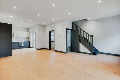 Fairview Road, Norbury, London, SW16. 3 bedroom terraced house