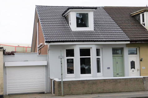 Windmillhill Street, Motherwell, Lanarkshire, ML1. 2 bedroom semi-detached house