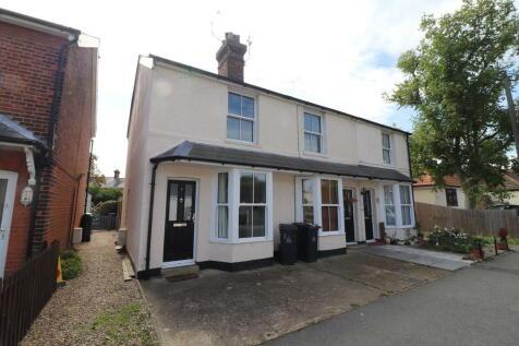 Alexandra Road, Burnham-on-Crouch. 2 bedroom end of terrace house