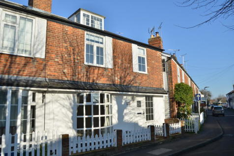 Providence, Burnham-on-Crouch. 3 bedroom end of terrace house
