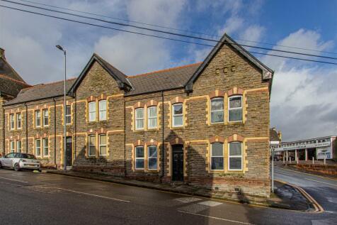 Queens Chambers, Newport. 2 bedroom flat