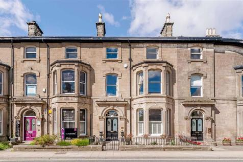 Station Parade, Harrogate, North Yorkshire. 5 bedroom town house