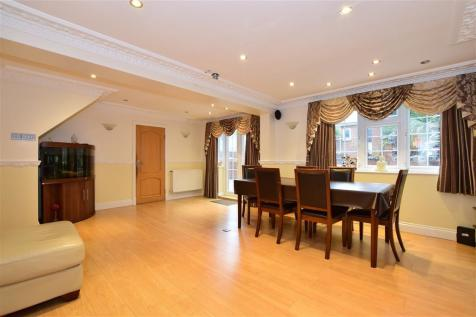 Spring Grove, Loughton, Essex. 6 bedroom detached house for sale