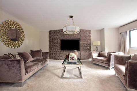 Luxborough Lane, Chigwell, Essex. 5 bedroom detached house for sale