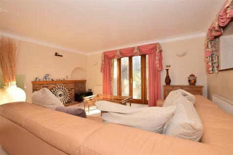 Broadstrood, Loughton, Essex. 5 bedroom detached house for sale