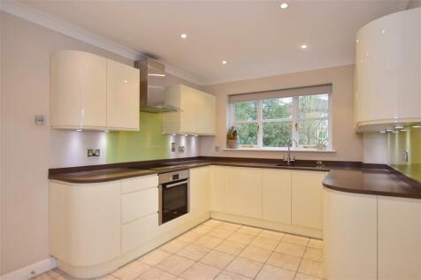 Salcombe Park, Loughton, Essex. 4 bedroom detached house for sale