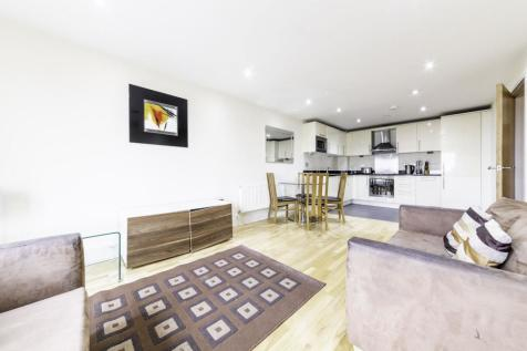Raphael House, 250 High Road, ILFORD, Essex, IG1. 2 bedroom apartment